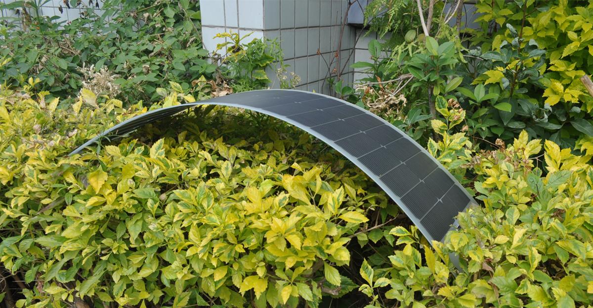 New-evolved-solar-cells-more-durable-higher-efficiency-55W-lensun-flexible-solar-power-energy-aluminium-back-sheet-PET-film-PET-Back-sheet-for-camping-life